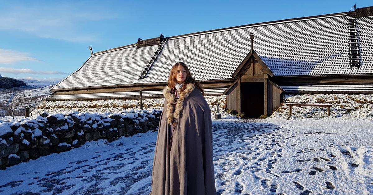 Vikinglagslørdag møtes særlig interesserte i vikingtiden på Lofotr Vikingmuseum foto MHEck/Lofotr Vikingmuseum