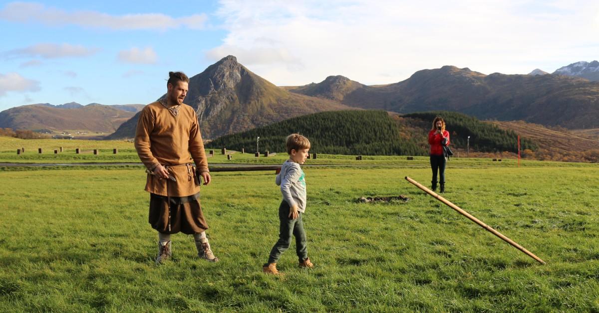 Vikingleker ved museet i høstferien 2018. Foto: MHE/Lofotr Vikingmuseum
